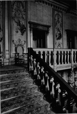 P19624; Callendar House entrance hall staircase