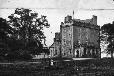 P13166; Herbertshire Castle