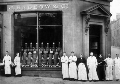 P15481; Haddow's Shop, Falkirk