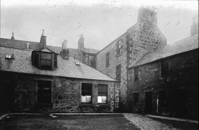 P00352; Burns Court. Falkirk