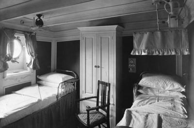 """P02003; De luxe cabin of liner """"Osterley"""""""