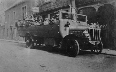P15452; Tilling Stevens petrol electric charabanc with passengers