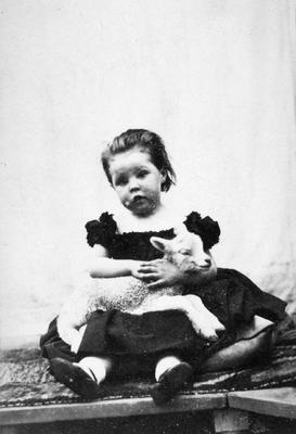 P24639; Helen Wilson of South Bantaskine.