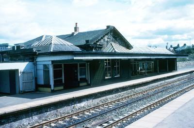 P05274; Falkirk High Station
