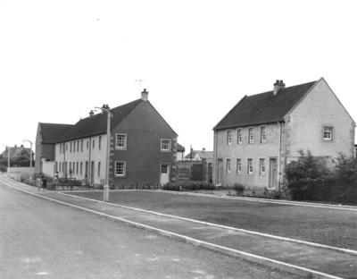 P24760; New housing on Shore Rd and Paul Drive,  Airth