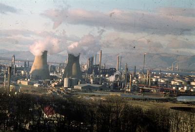 P06158; View of BP oil refinery, Grangemouth