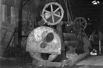 P07828; Plate rolling machine at Dundas Engineering Company, Grangemouth