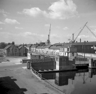P37087; Bridge, Canal Street and Shipyard, Old Grangemouth