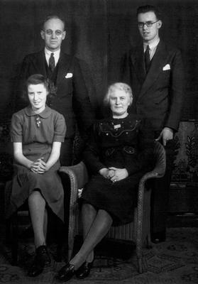 P34776; The Munn family