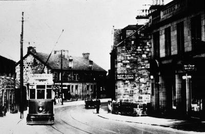 P15506; Tramcar in Larbert Main St