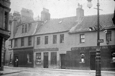 P01167; The Swan Inn, High Street, Falkirk