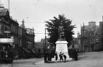 P01118; Boer War Memorial, Newmarket St