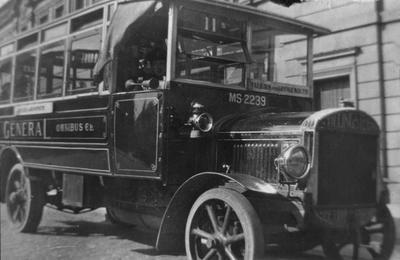 P16988; General bus, Falkirk