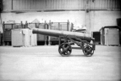 P36928; Ornamental cannon, loading bay, Carron Iron Works