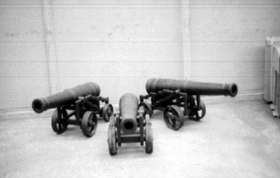 P36929; Three Ornamental  cannons, loading bay, Carron Iron Works
