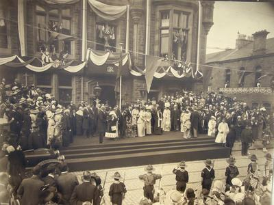 P41273; Visit of King George V, Queen Mary and Princess Mary to Falkirk