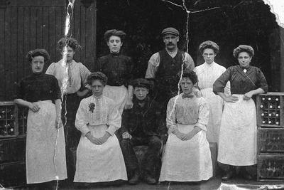 P15471; Workers at J A Gunn, Falkirk