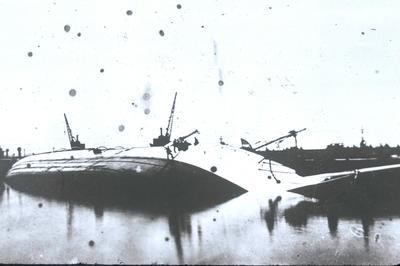 """P09506; """"Comte De Smet De Nayeyer"""" capsized in the James Watt Dock, Greenock"""