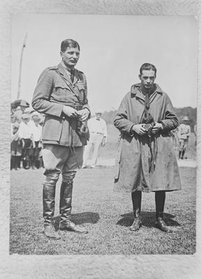 P43573; Capt James Fitz Morris with Brigadier General Charles F Lee, Cincinnati, USA