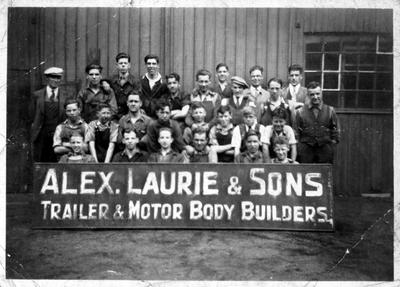 P20263; Employee group, Alex Laurie & Sons