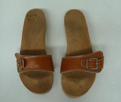 1996-052-309; shoes; woman's