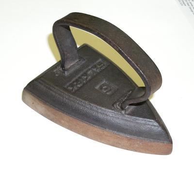 2008-017-010; iron; sad