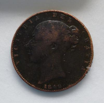 1977-042-103; coin; farthing