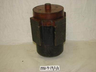 1981-009-019
