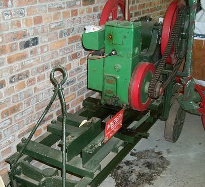 1981-034-108; brick crushing machine