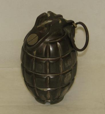 1976-016-001