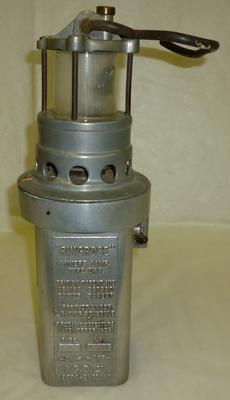 1976-026-019