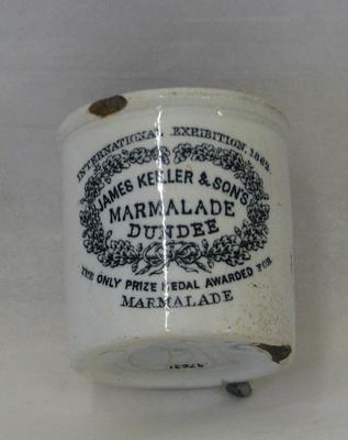 1976-031-001