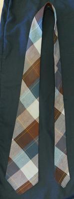 1975-047-017; tie