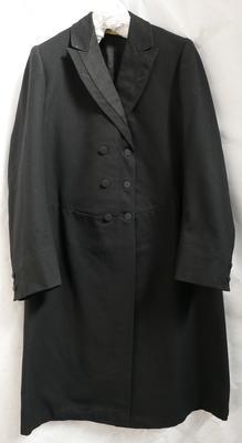 1981-061-003/001; coat; frock