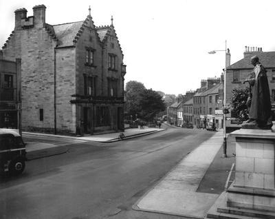 P33495; Linlithgow High Street