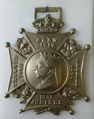 1978-131-025; badge; commemorative jubilee