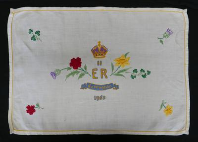 1995-013-012; cloth; tray