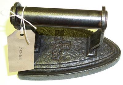 1995-032-002; iron; sad