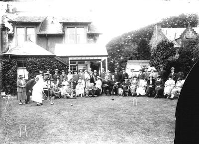 P33604; Game of croquet