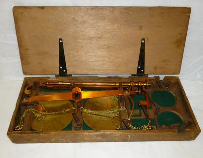1996-027-002; scales; beam