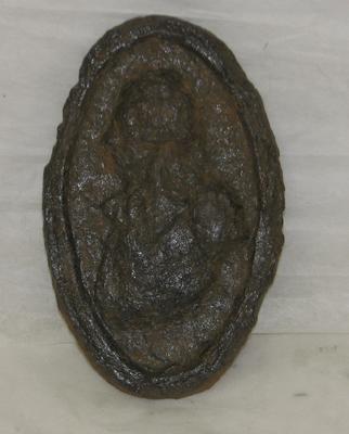 "1997-013-036; plaque;""bust"""