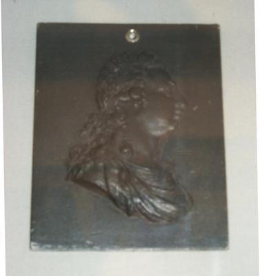 1983-042-038