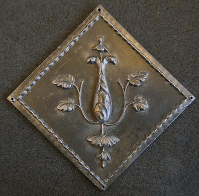 1983-042-088