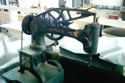 1986-023-002; sewing machine