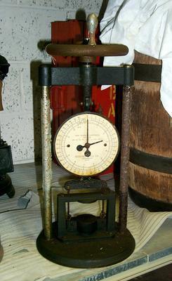 1992-040-002; spring balance compression strength machine
