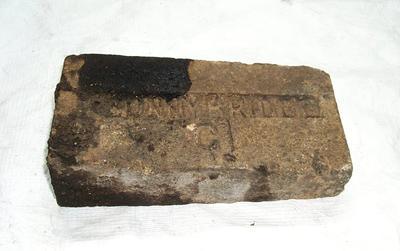 1985-007-007; brick