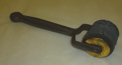 1999-016-010; graining wheel