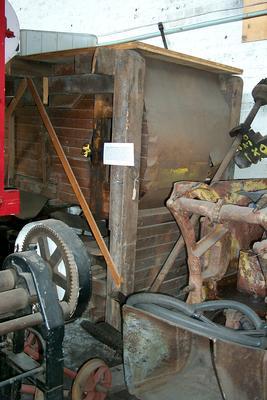 1988-061-002; mill; threshing