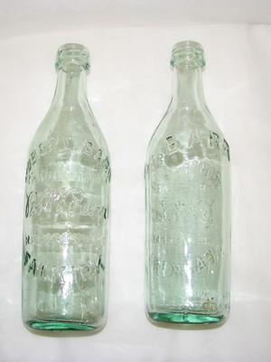 2000-037-022; bottle (R. Barr)