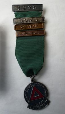 2001-018-007